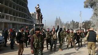 جنود من الجيش السوري الحر في عفرين شمال البلاد