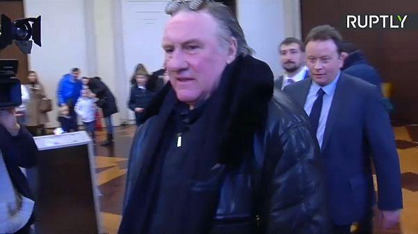 Voto russo all'estero: anche l'attore Depardieu alle urne