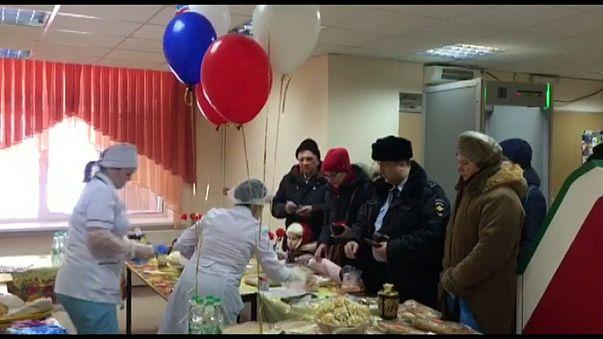 شاهد: الرقص والغناء والأطعمة أساليب روسية جديدة لجذب الناخبين إلى صناديق الاقتراع