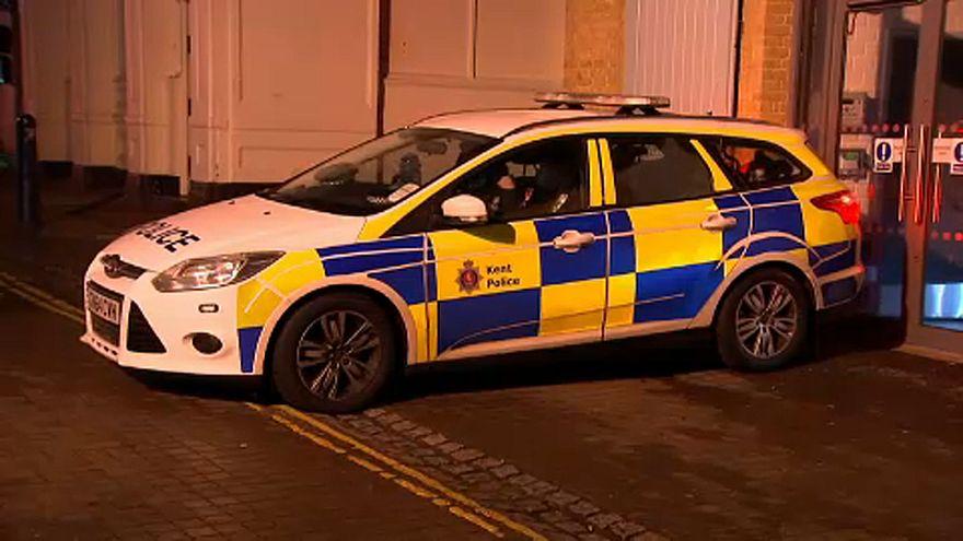 Belehajtott egy éjszakai klubba egy autós Angliában