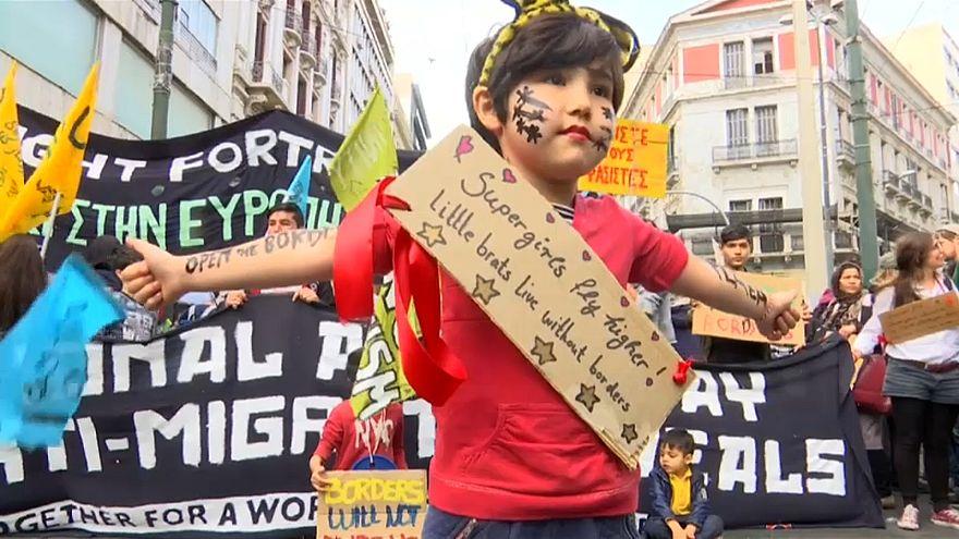 Dalle strade di Atene: APRITE I CONFINI, SALVATE I MIGRANTI