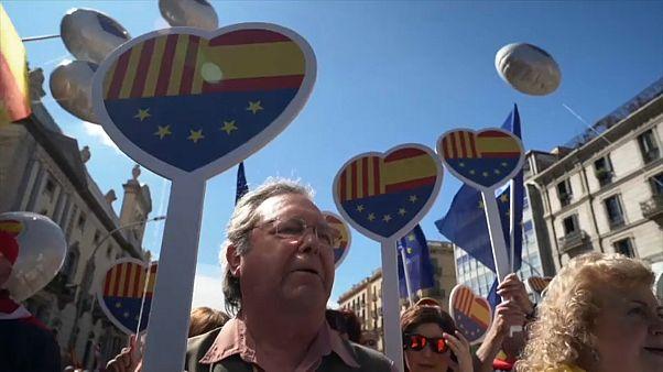 من مظاهرة في برشلونة ضد الانفصاليين