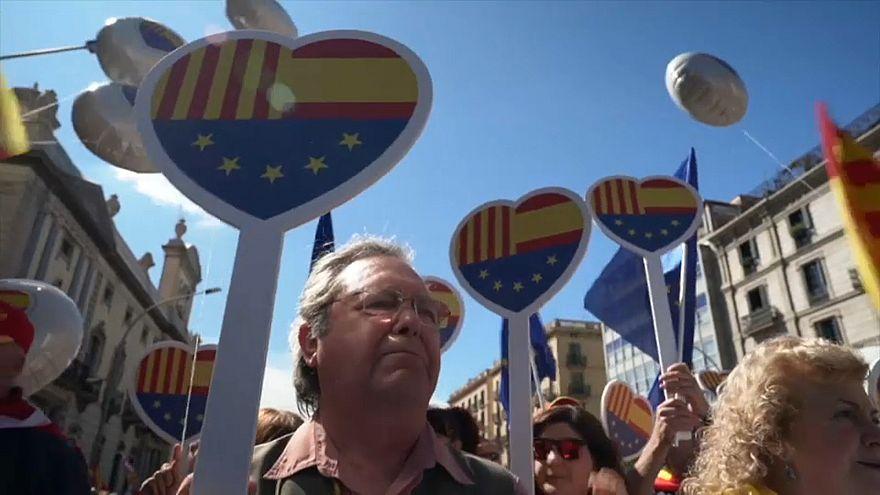 Separatistengegner demonstrieren für Spaniens Einheit