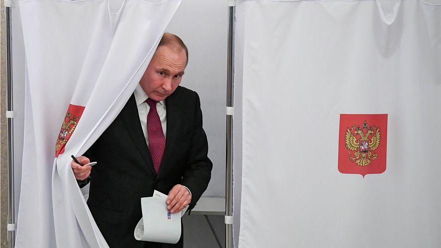 بوتين يشكر مؤيديه على إعادة انتخابه والمعارضة تتهم