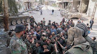 """Syrie : Bachar al-Assad et ses """"héros"""" dans la Ghouta"""