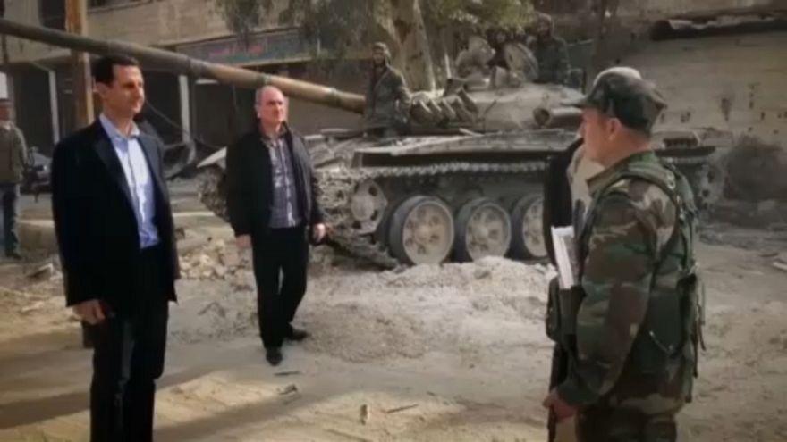 A szétlőtt Kelet-Gútába látogatott Aszad