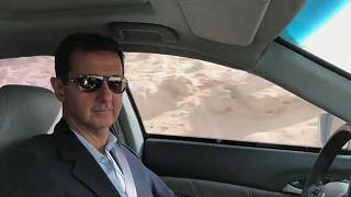 Siria, il presidente Assad visita in auto la Ghouta orientale