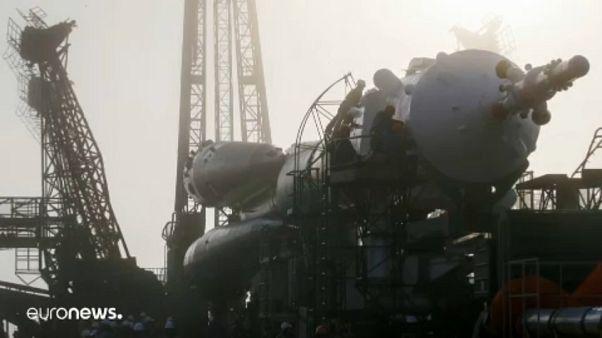 A nap képe: kilövőállásra viszik a Szojuzt