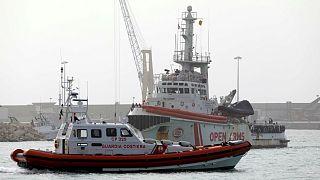 Κατασχέθηκε πλοίο ΜΚΟ γιατί μετέφερε μετανάστες στην Ιταλία