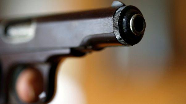 طفل أمريكي يطلق النار على شقيقته بسبب لعبة فيديو