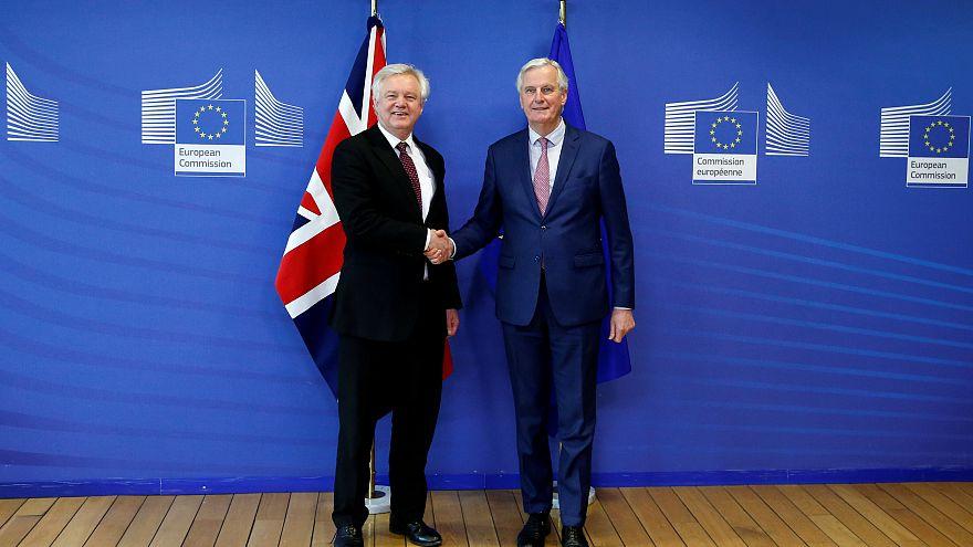 Brexit: Großbritannien und EU vereinbaren Übergangszeit von 21 Monaten