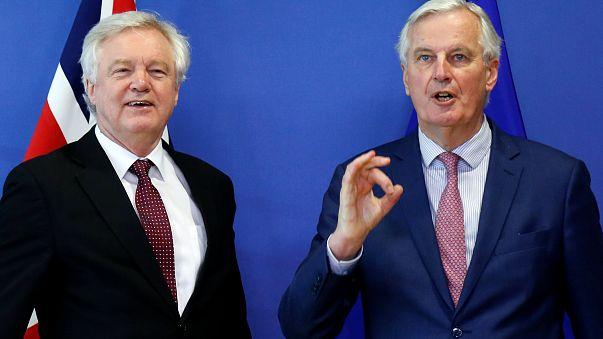 """Barnier sulla Brexit: """"C'è il testo dell'accordo, ma resta il nodo dell'Irlanda"""""""