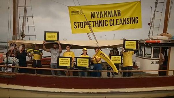 Myanmar liderine Avustralya'da protesto