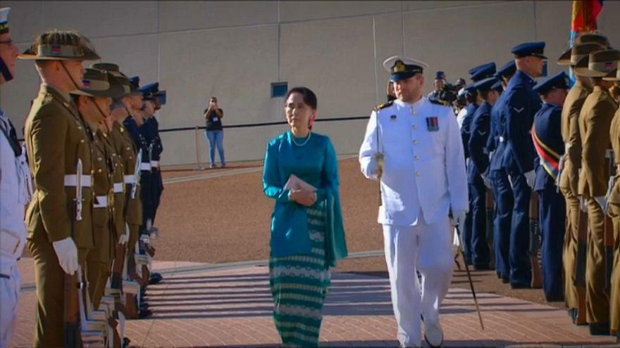 Aung San Suu Kyi se reúne con el primer ministro australiano