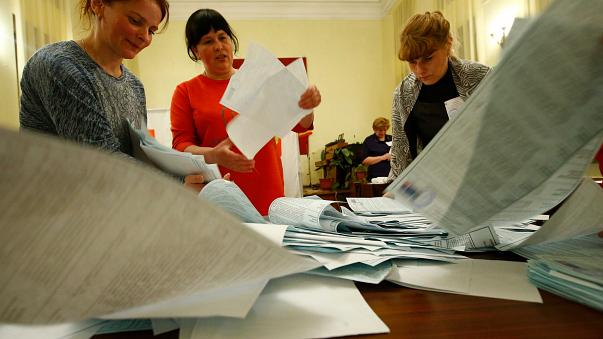"""3000 Verstöße"": Beobachter kritisieren Russland-Wahl"