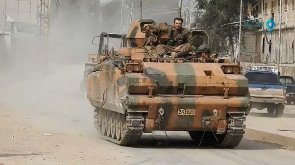 Turquia estende ofensiva na Síria e admite entrar no Iraque