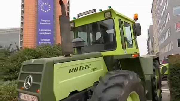 Farmers ride into Brussels to protest subsidy reforms