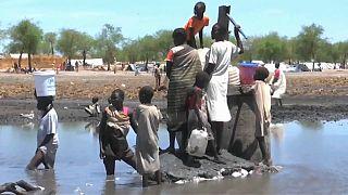 """""""Più cellulari che bagni"""": il mondo è a corto d'acqua"""