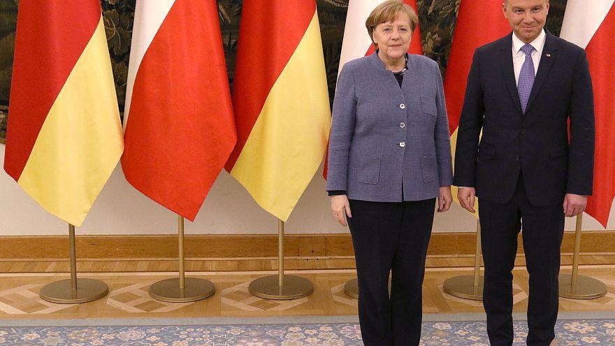 Merkel zum Antrittsbesuch in Warschau