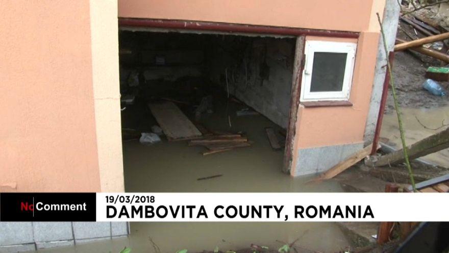Derrocada destruiu dezenas de casas na Roménia