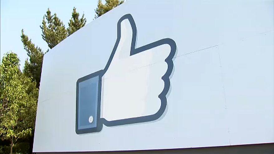 Tovább gyűrűzik a Facebook-botrány