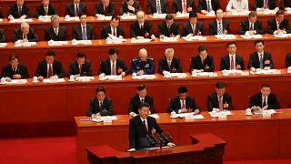 """Σι Τζινπίνγκ: """"Μόνο ο σοσιαλισμός μπορεί να σώσει την Κίνα"""""""