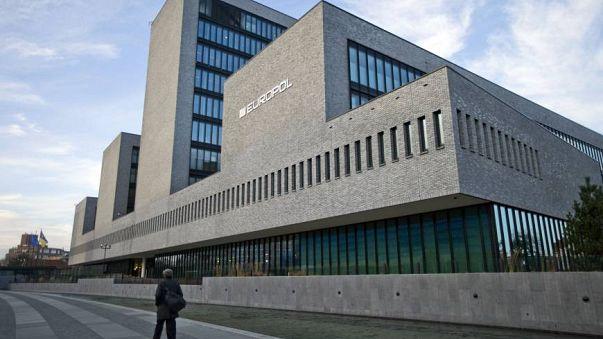Europol: Mais de cinco mil europeus no Daesh desde 2014