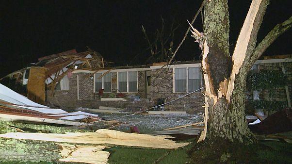 Stati Uniti, devastanti tempeste si abbattono sull'Alabama