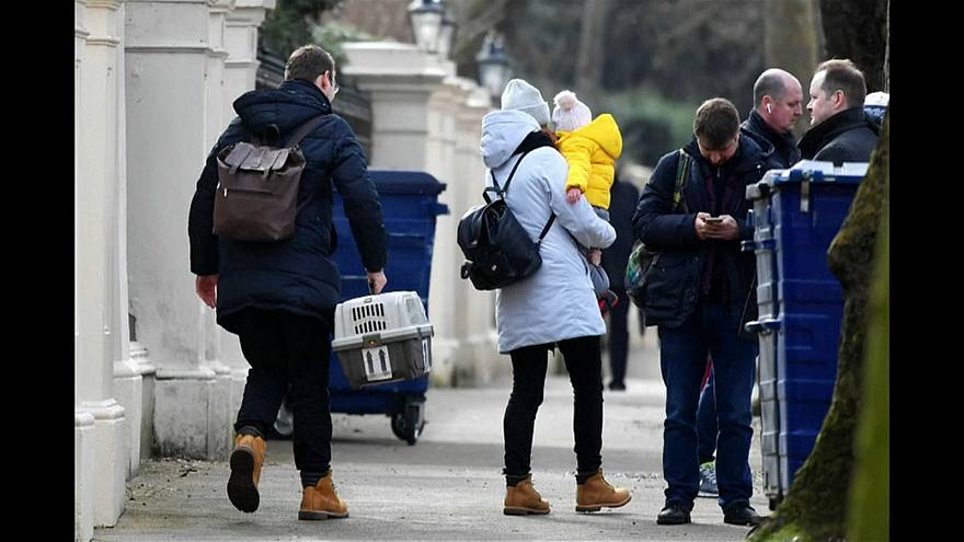 Russian diplomats leave UK amid spy poisoning crisis