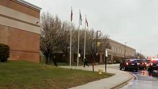 Tiroteio numa escola norte-americana fere dois estudantes