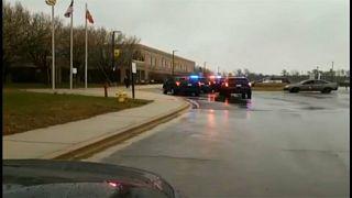 ABD: Lisede silahlı saldırı 2 öğrenci yaralı