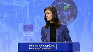 La UE condena la filtración de Facebook