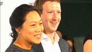 Mark Zuckerberg con la moglie