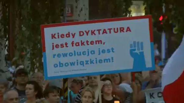 Истекает крайний срок, данный Евросоюзом Польше