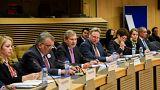 رئيس سلطة المياه مازن غنيم  مع المفوض الأوروبي جون هانز