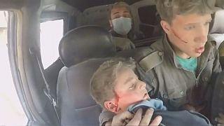 لقطات من فيديو يظهر آثار الضربات الجوية على دوما وعين ترما