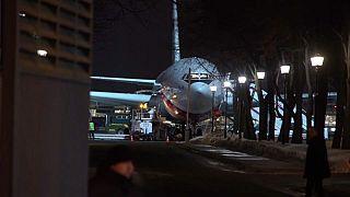 Sınır dışı edilen Rus diplomatlar Moskova'ya vardı