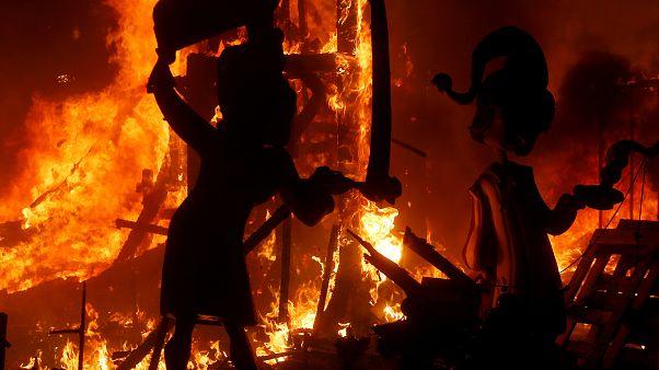 Las Falles - a Fáklyák ünnepe
