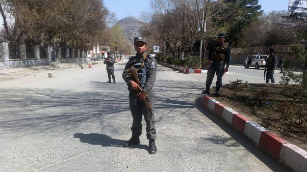 داعش يعلن مسؤوليته عن هجوم انتحاري قرب مزار شيعي في كابول