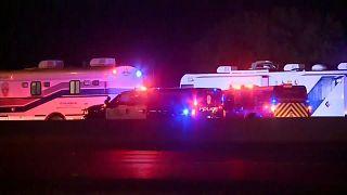 يشتبه بتورطه في سلسلة تفجيرات.. رجل يفجّر نفسه في تكساس أثناء قيام الشرطة بتعقبه