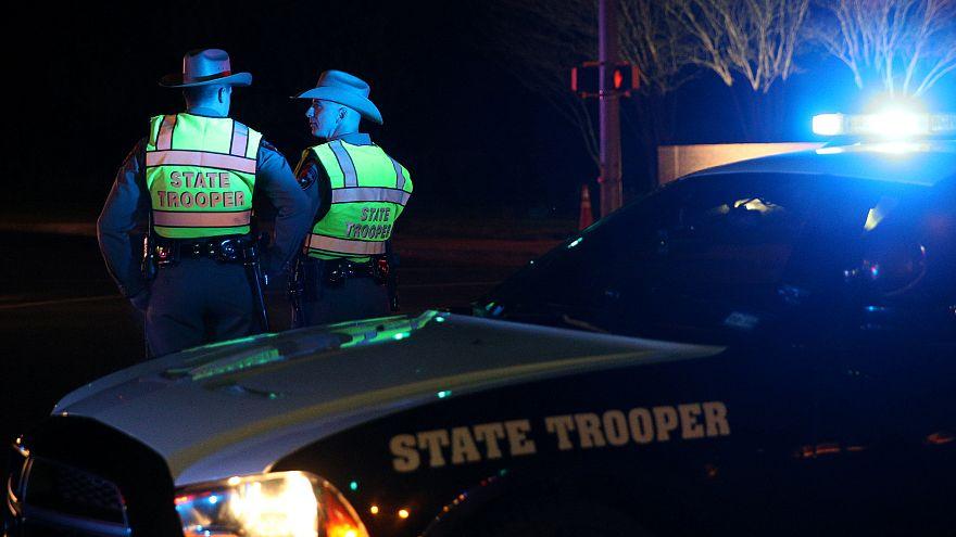 Polisin takip ettiği Teksas bombacısı kendini patlattı