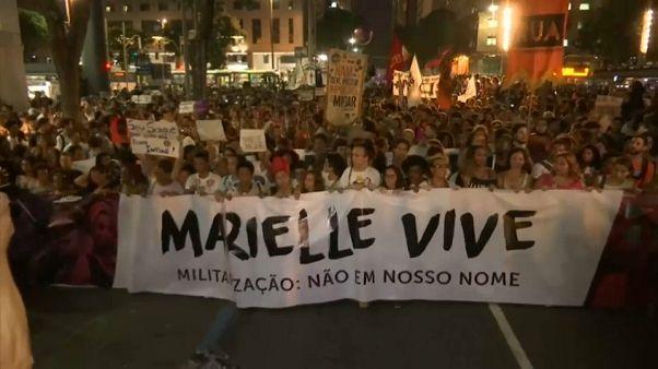 Rio de Janeiro si mobilita contro l'esecuzione dell'attivista Marielle