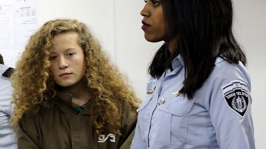 السجن 8 أشهر لعهد التميمي بسبب صفع جندي إسرائيلي