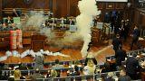 Des gaz lacrymogènes au parlement kosovar