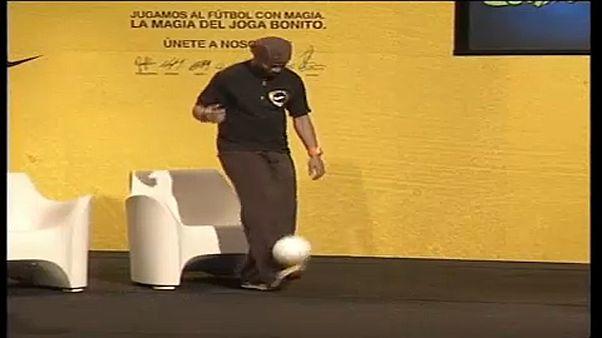 Ronaldinho a brazil parlamentbe vágyik