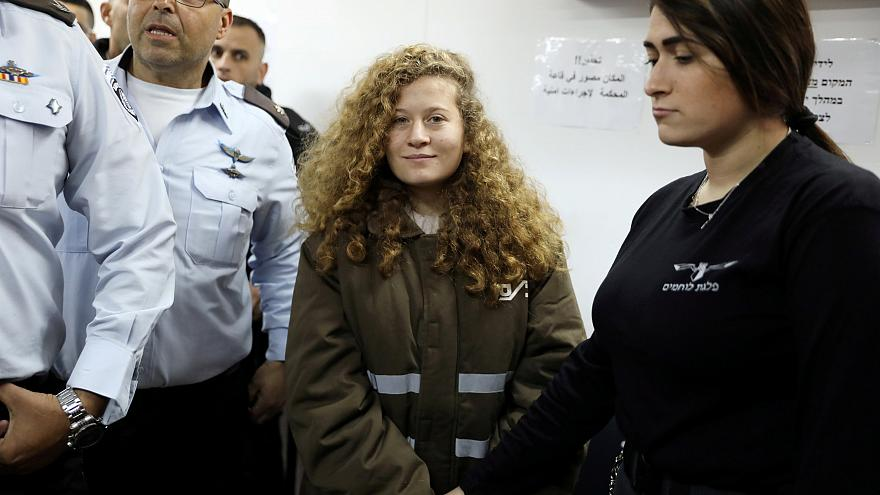 La adolescente palestina en el tribunal