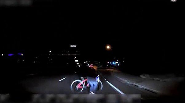Βίντεο - ντοκουμέντο με παράσυρση πεζής από όχημα της Uber