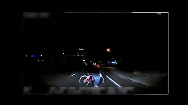 """فيديو يبين حادثة دهس قاتلة لسيارة """"أوبر"""" ذاتية الدفع"""