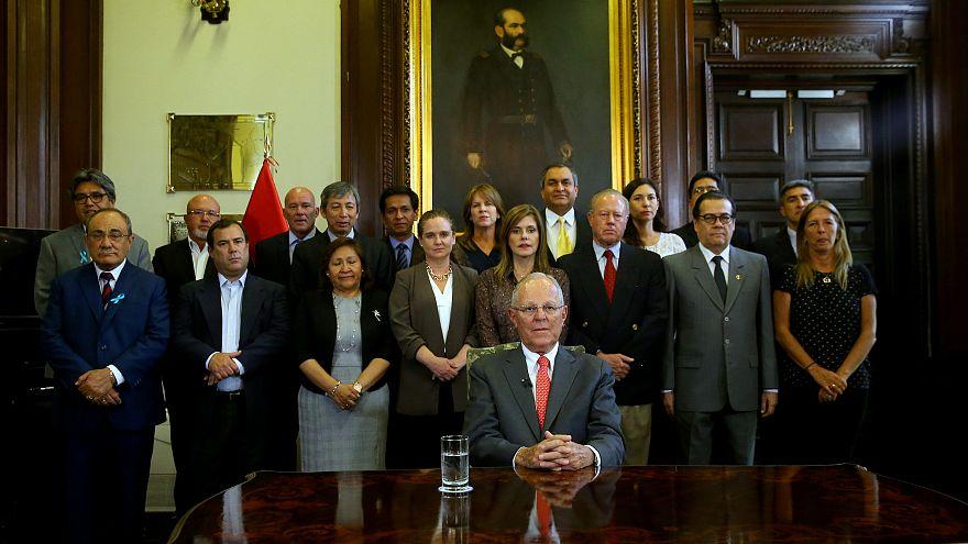 Presidente do Peru demite-se após acusações de corrupção