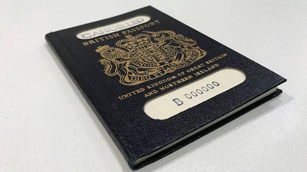 """جواز السفر البريطاني """"الأزرق"""" الأصلي في لندن يوم الخميس 22/03/2018"""
